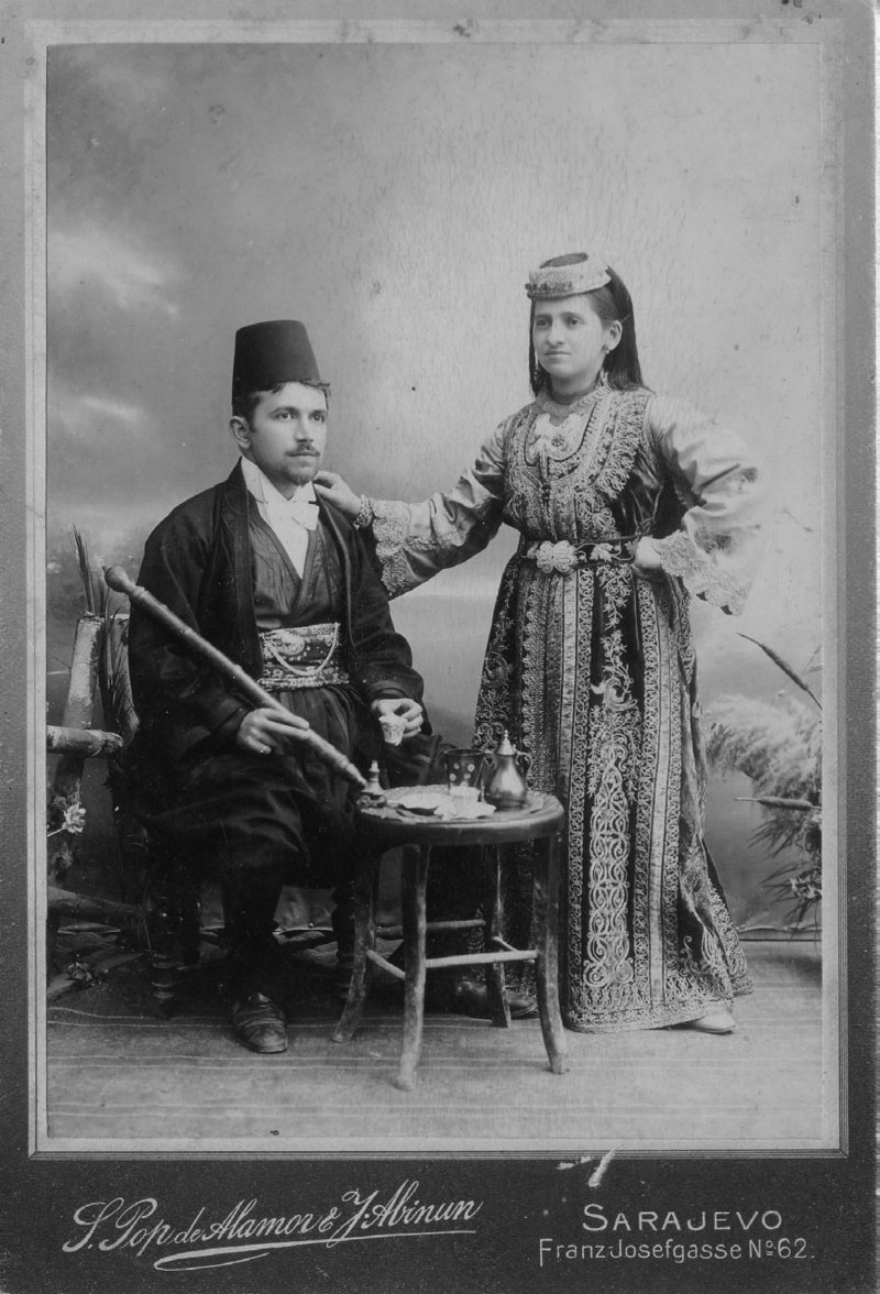 1900_photo_of_a_Sephardi_couple_from_Sarajevo.png